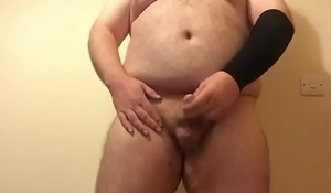 Must See! Sexy Hairy Bear Wanking With Hands Free Cum