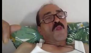 IRAQUI VIEJO SALIDO SE PAJEA VIENDO MI RABO - EN RAMADAN