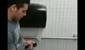 Banheiro flagra