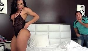 Shemale Melyna Merli fucked bareback
