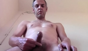 CUM ON THE LANDING OF A PUBLIC BUILDING, AMATEUR SOLO MALE - FROM GENEVE
