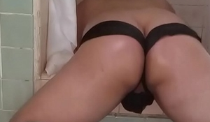 Oiled up ass sissy twerkin