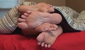 BIG FOOTSIE LESBIANS