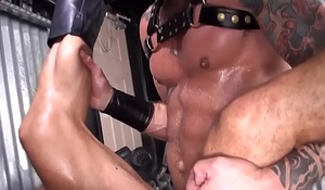 Leather loving wolf fucked raw