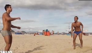 Aprenda a jogar futevô_lei de sunga