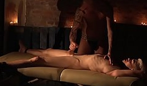 Titus Snows massieve oiled cock gietting wanked by randy dude