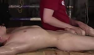 Unconfident oiled twink Taylor Mason foot fucked